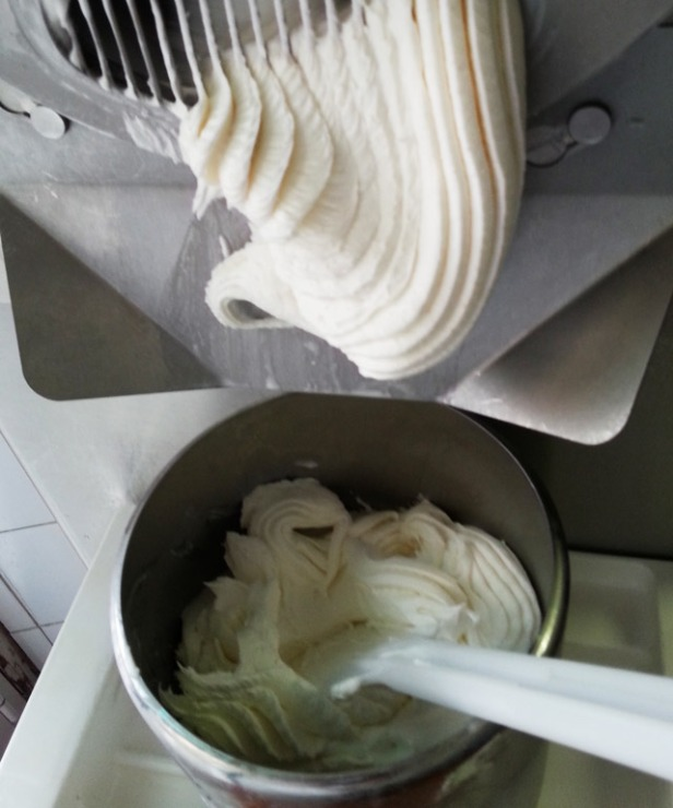 uscita gelato mantecatore